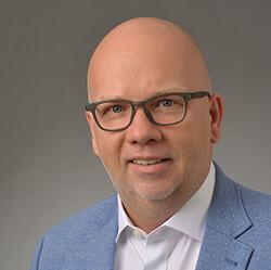 Oliver-Van-Royen-Consulting-Stuttgart-Portrait